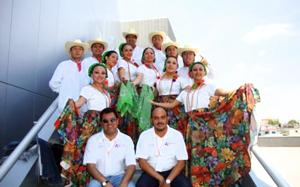 grupo de danza dirigido por Pedro Rengel